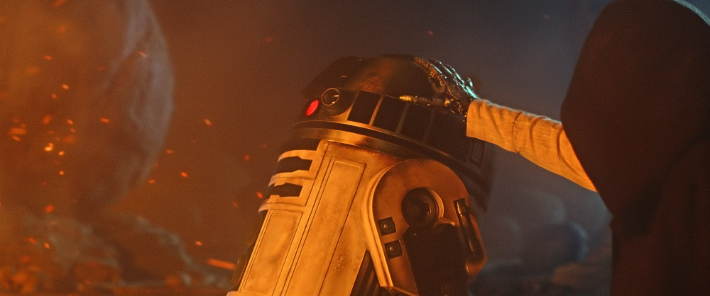 luke-skywalker-r2-d2-the-force-awakens