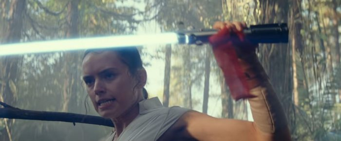 starwars-riseofskywalker-trailer2-rey-lightsabercatch-700x291